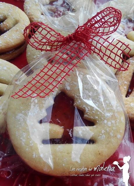 Galletas rellenas de mermelada para Navidad