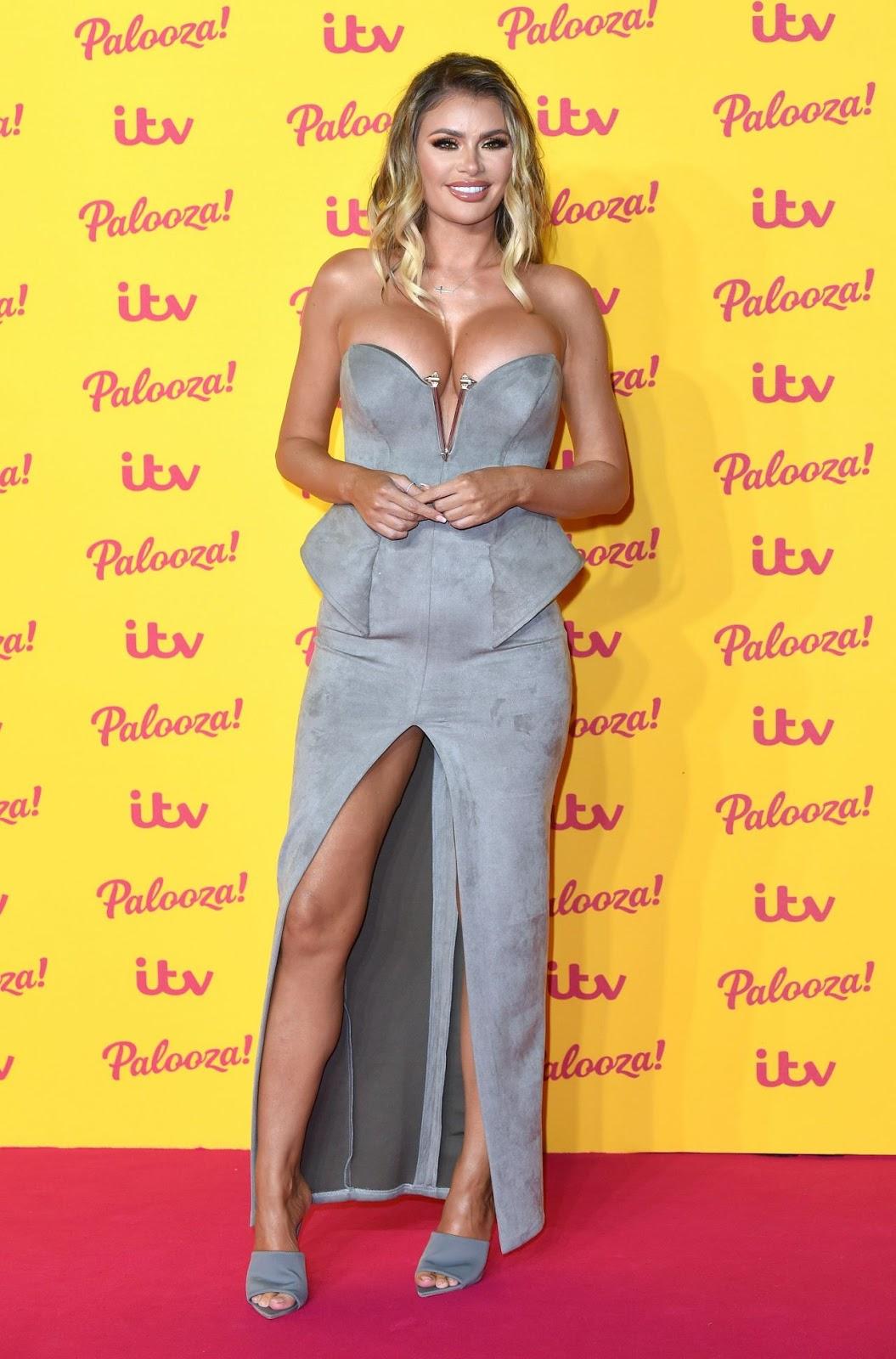 Британська актриса і зірка телешоу Хлоя Сімс (Chloe Sims)