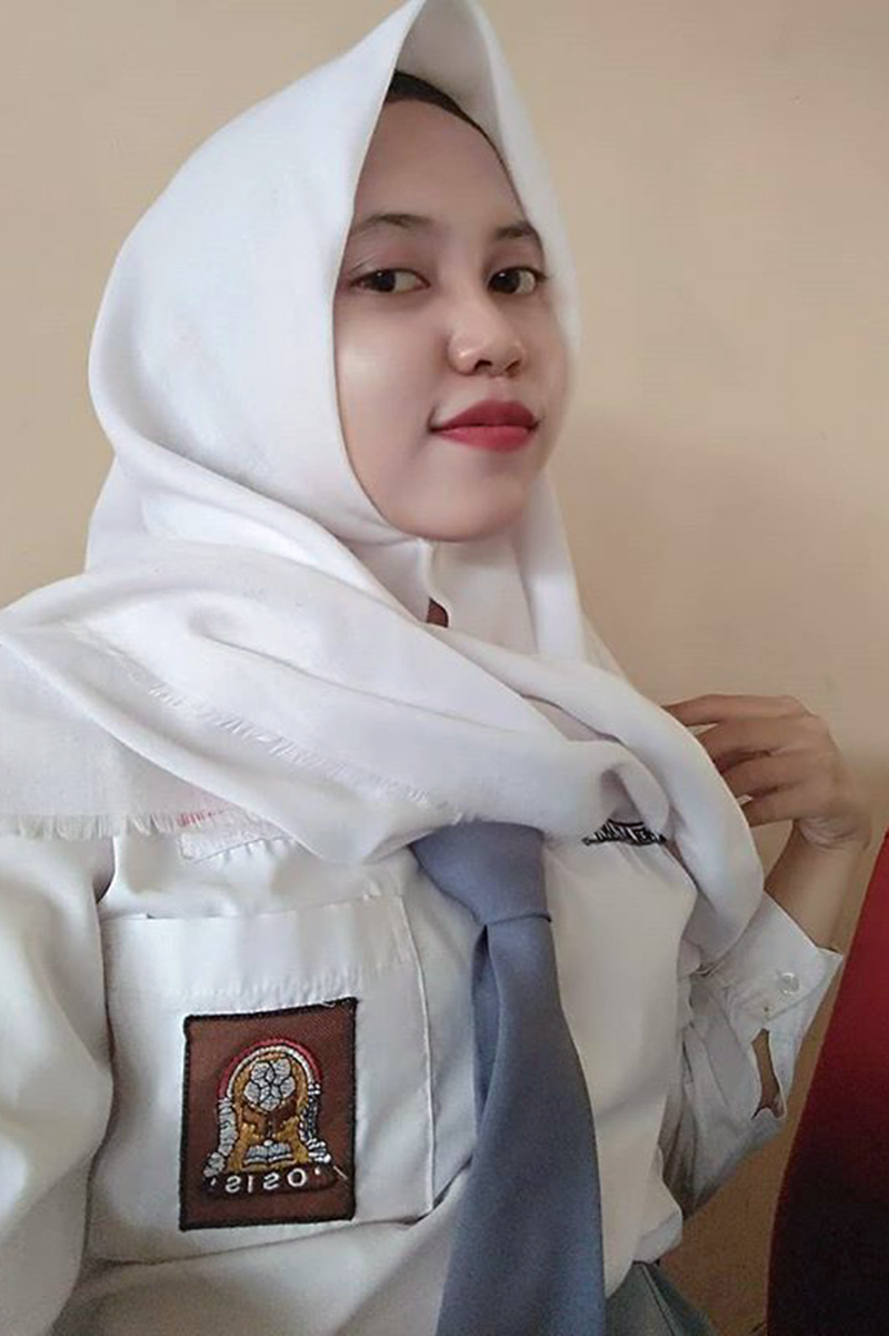 Siswi Jilbab SMA Cantik bogor tewas