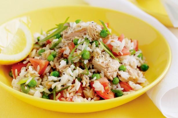 ensalada de arroz atún y tomate
