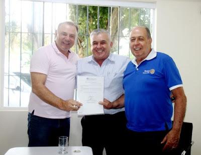 Prefeito Gilson Fantin recepciona Governador do Rotary Club e o declara Hóspede Oficial do município