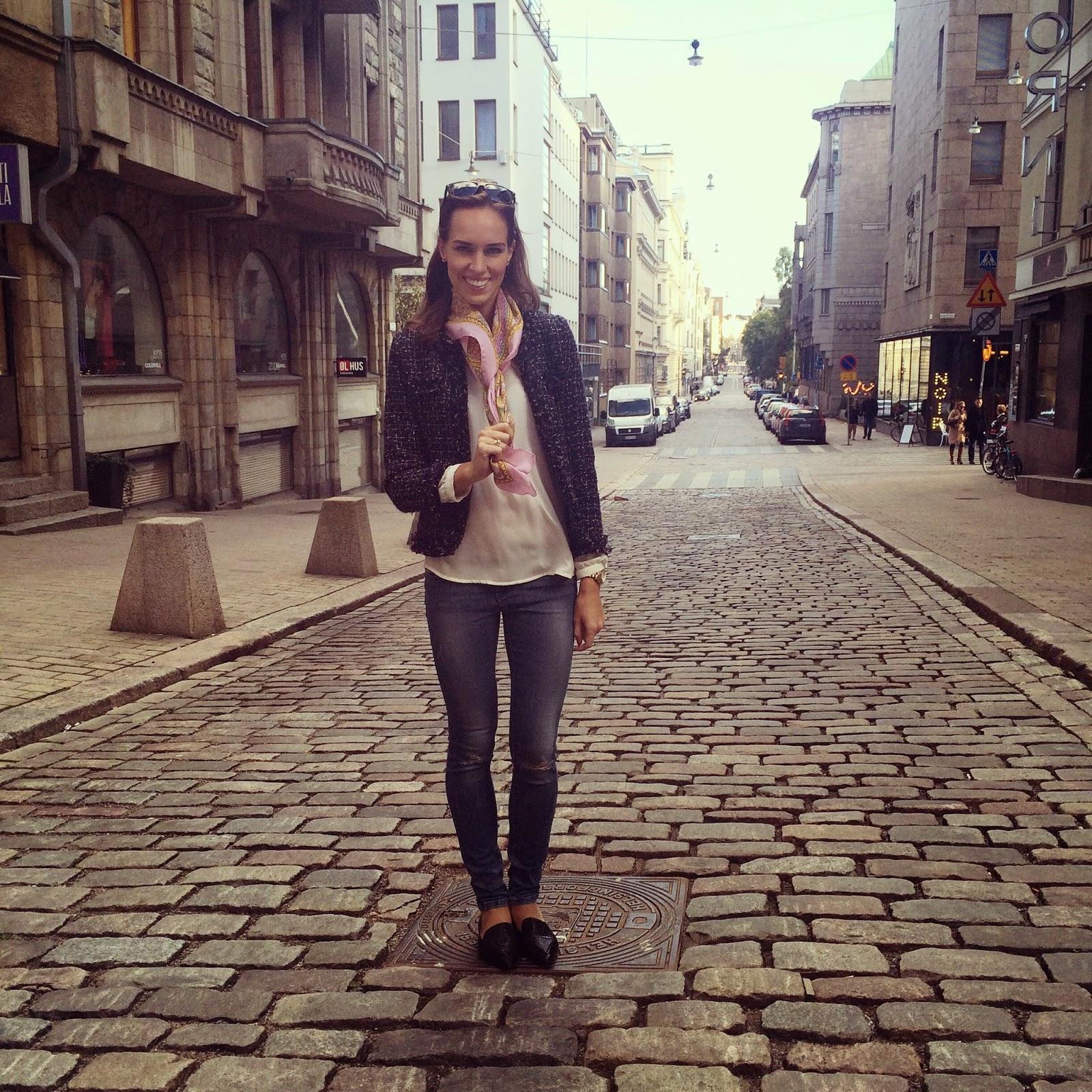 sheinside-tweed-jacket-zara-jeans-outfit-helsinki
