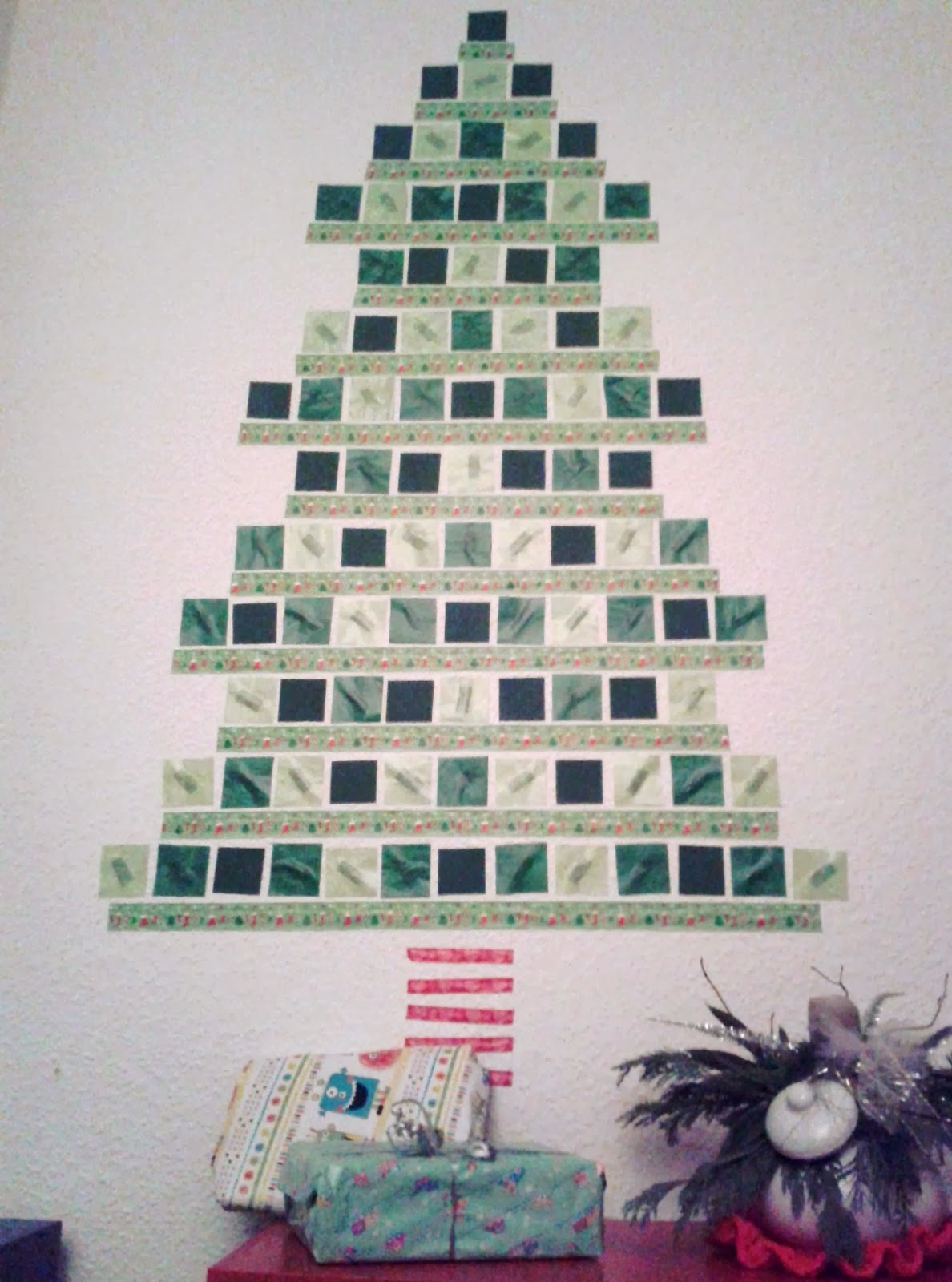 Bazooka crafts our pixel christmas tree our pixel christmas tree solutioingenieria Images