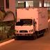 CONDOMÍNIO: Caminhoneiro do DF dá voadora em porta de síndico após ouvir queixas