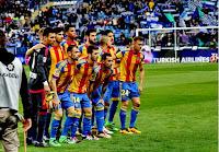 VALENCIA C. F. - Valencia, España - Temporada 2015-16 - Alves, Mustafi, André Gomes, Aderlan Santos, Barragán y Parejo; Javi Fuego, Gayá, Alcácer, Feghouli y Cheryshev - MÁLAGA C. F. 1 (Cop) VALENCIA C. F. 2 (Kameni p.p., Cherysehev) - 02/03/2016 - Liga de 1ª División, jornada 27 - Málaga, estadio de La Rosaleda