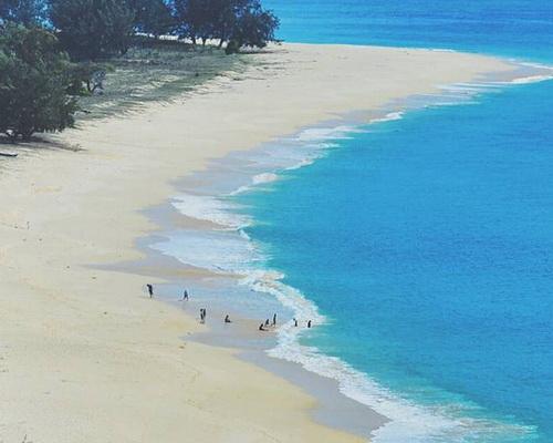 Tinuku.com Travel Uitiuhtuan Beach, a hidden paradise on Semau island for camping like a private beach
