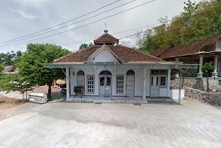 Masjid Dusun Tawang Wetan Sidomulyo Ngadirojo Pacitan