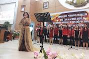 Hibur Umat Se- Kevikepan Manado , Ibu Ruthy tampil dengan Suara Merdu
