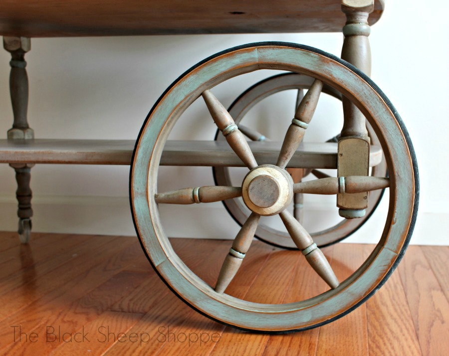 I continued the accents of Duck Egg Blue and Old Ochre onto the wheels.