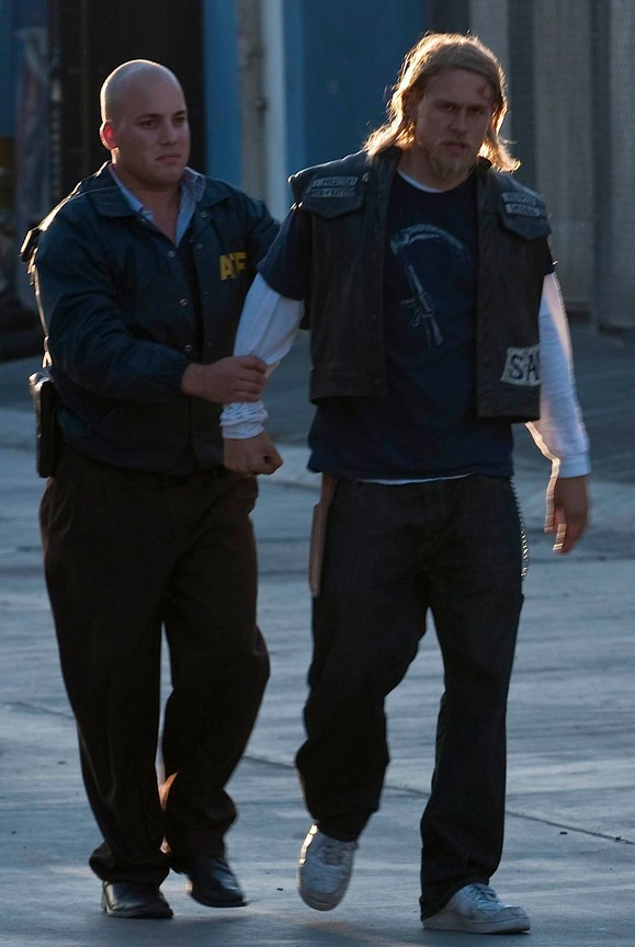 Sons of Anarchy Season 3 Episode 11 Watch Online on 12Netflix