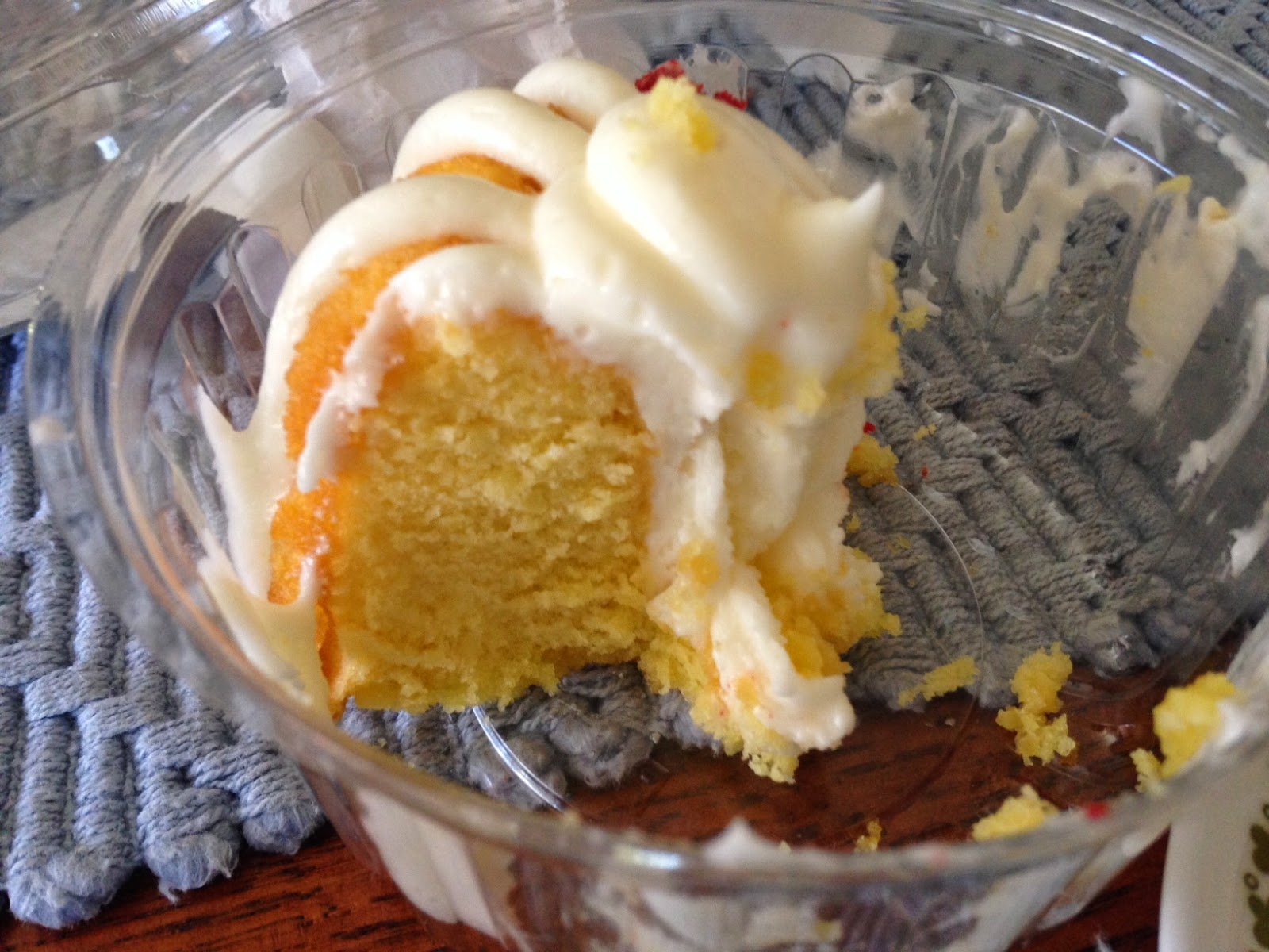 The Pastry Chef S Baking Bakery Review Nothing Bundt Cakes