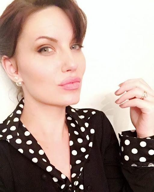 Esta mujer es idéntica a Angelina Jolie y le piden autógrafos