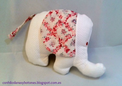 conhiloslanasybotones - elefante de piqué