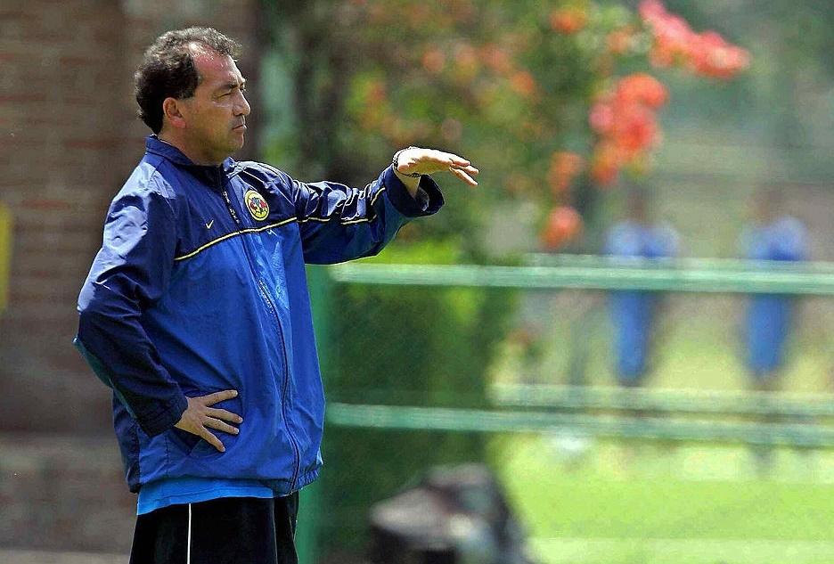 Entre sus logros como técnico está el haber llevado a Las Águilas al título del torneo Clausura 2005.