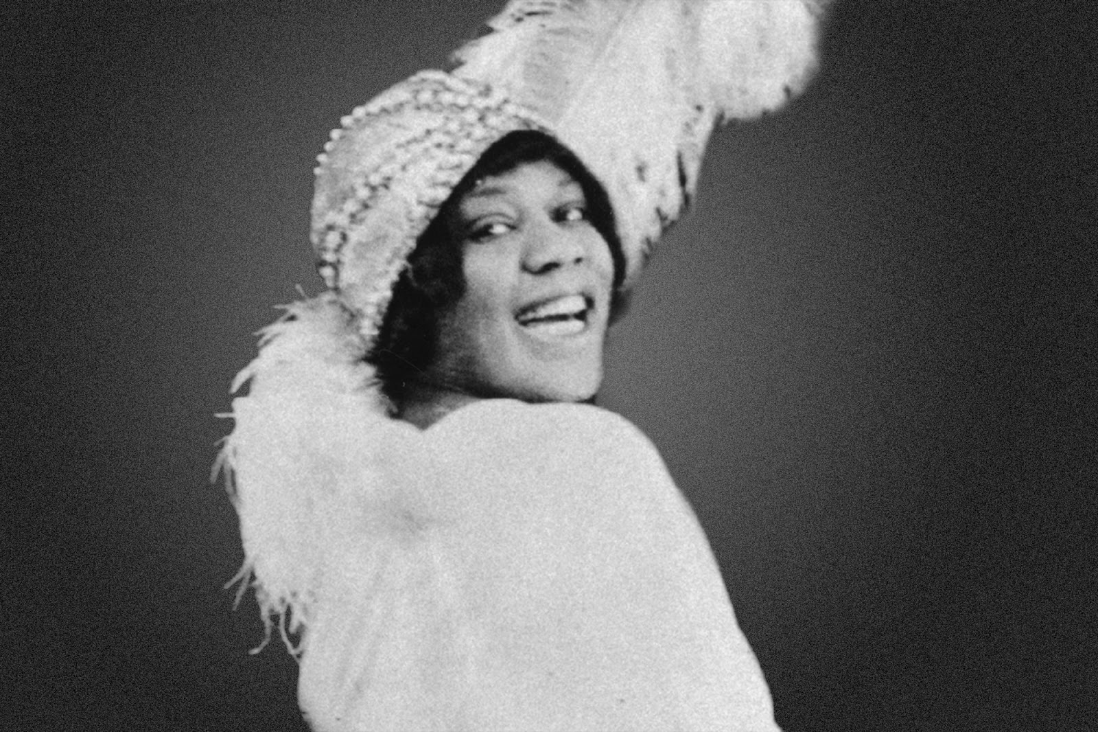 bessie smith Photo: bessie smith born on april 15, 1894, in chattanooga, tennessee,  bessie smith was one of ten children both of her parents had died by her eighth .