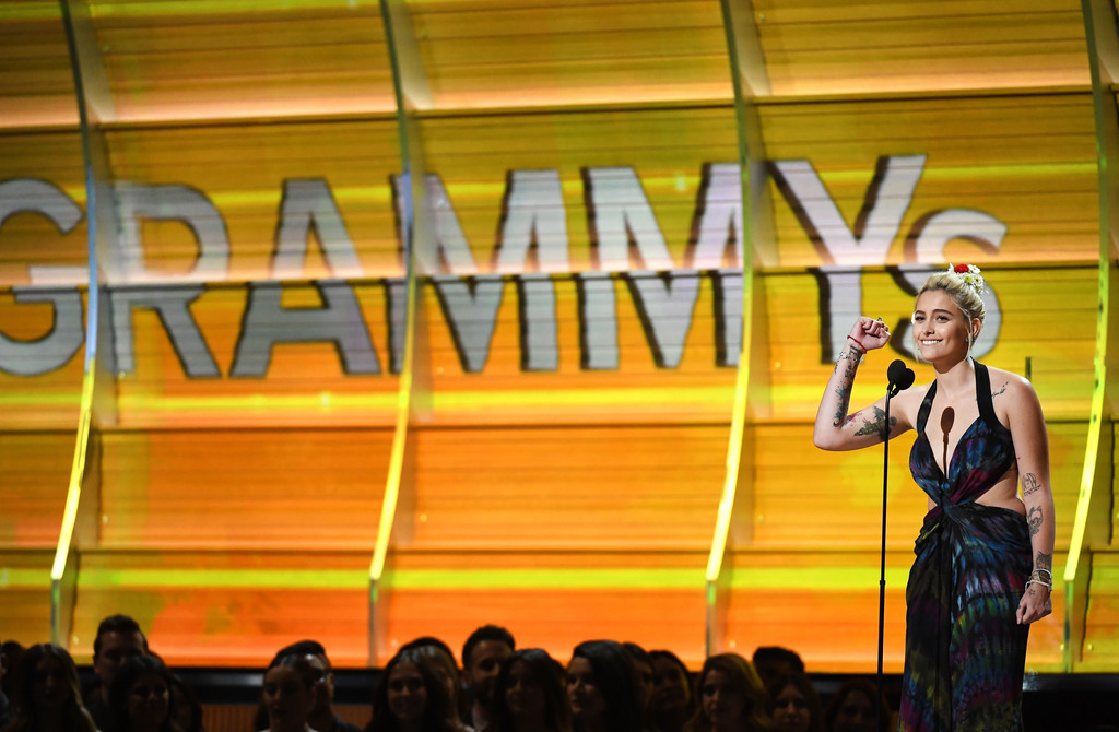 Paris Jackson ai Grammy Awards 2017 Paris%252BJackson%252B59th%252BGRAMMY%252BAwards%252BShow%252BA0SX71afLqsx