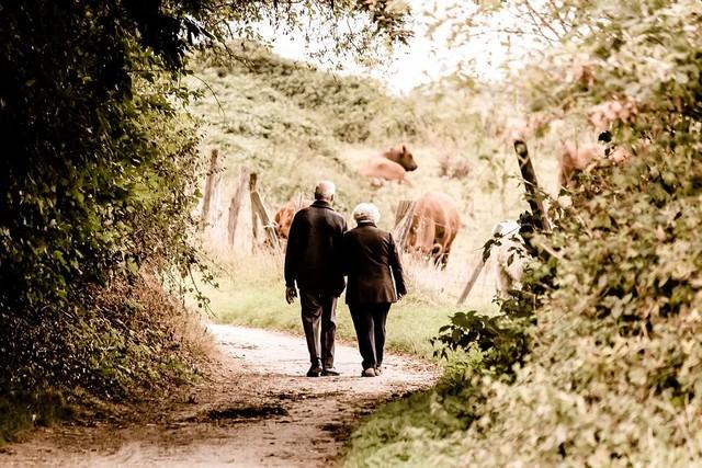 De 75 años y más inician cuarentena preventiva obligatoria