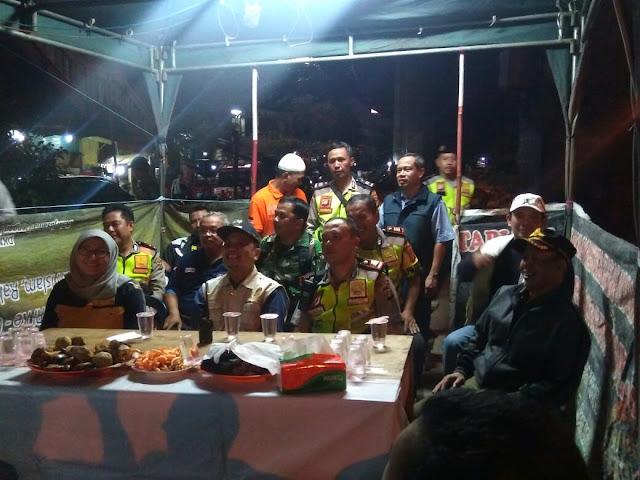Wakapolsek Tanjung Duren Bersama Tiga Pilar  Kunjungi Pos Terpadu Grogol