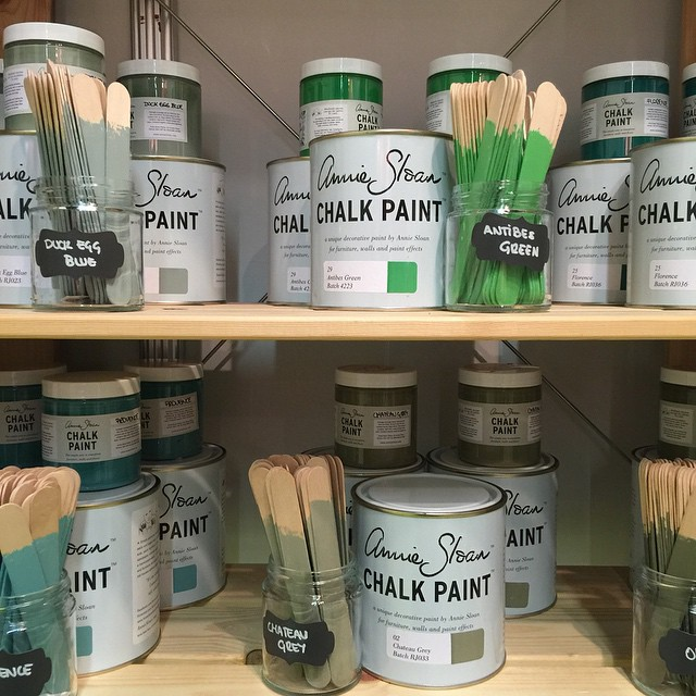 The best annie sloan chalk paint home depot canada for Home depot paint