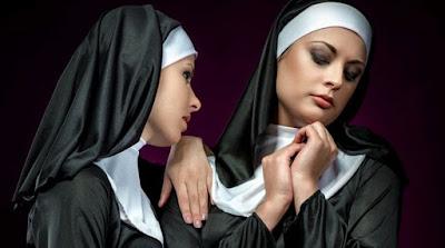 «Η αγάπη μας είναι δώρο Θεού», λένε οι δύο μοναχές που παντρεύτηκαν στην Ιταλία