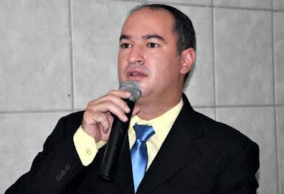 Resultado de imagem para DR. THIAGO PREFEITO DE CARNAUBAIS