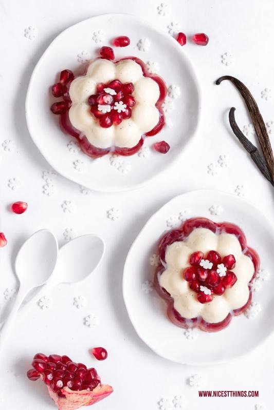 Winter Dessert Rezept: Mandel Panna Cotta mit Granatapfel-Götterspeise