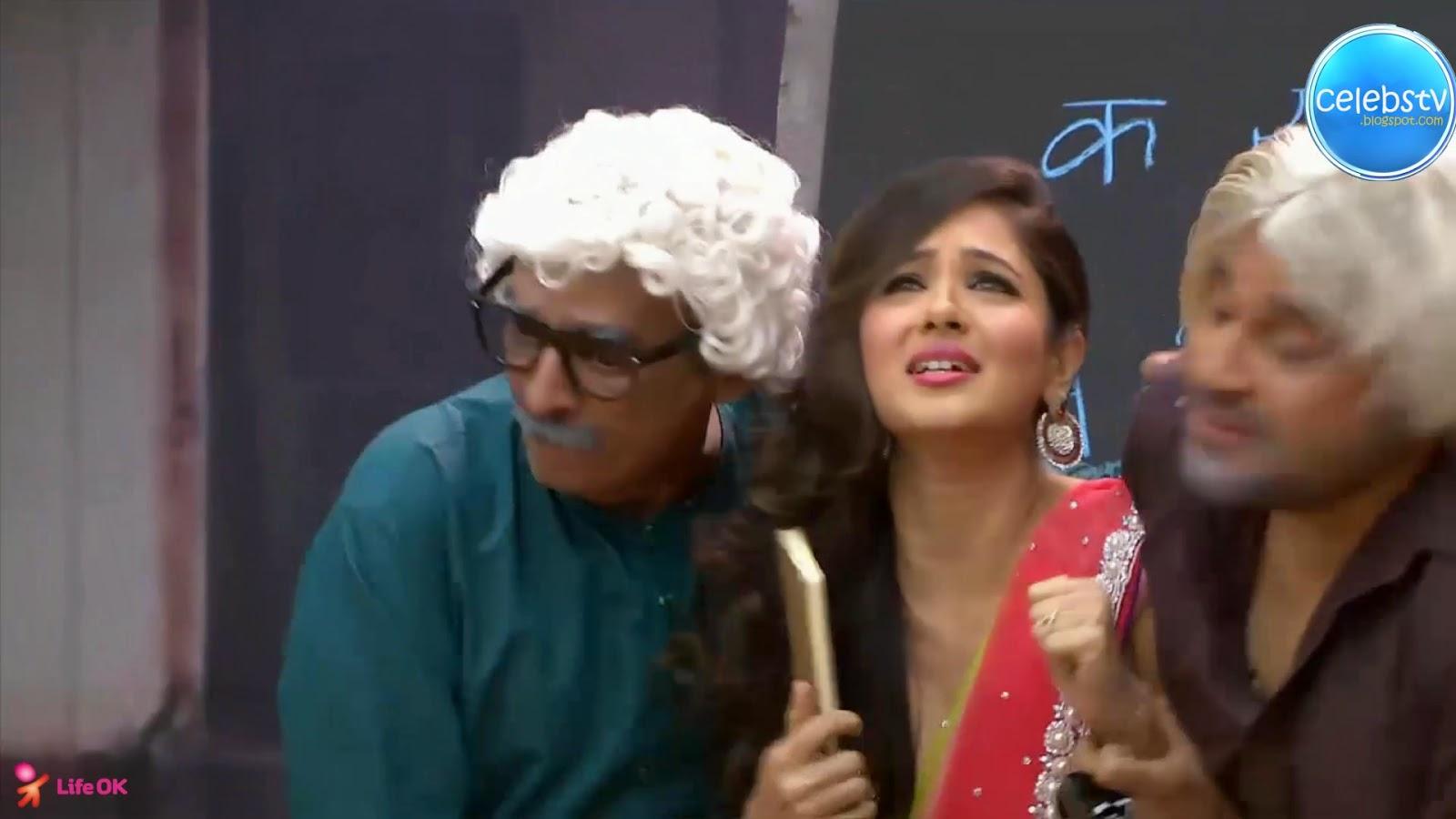 Pooja Bose Very Hot Sexy Bouncing Boobs, Navel Show -2977
