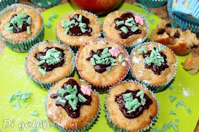 Muffinki mocno jabłkowe z nutą mięty i czekoladą