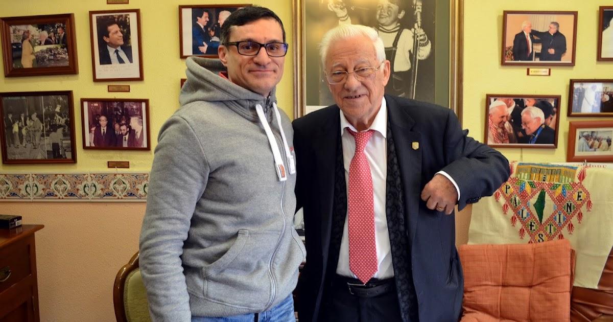 Agencia Febus : El padre Ángel recibe a Chema Menéndez