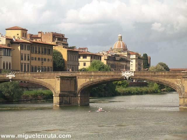 Ponte-Santa-Trinita-Río-Arno
