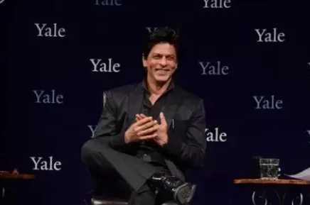 Usia 53 Tahun, Begini Wajah Asli Shah Rukh Khan Tanpa Make Up