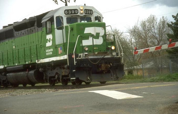 Random RV Thoughts: RV parks by railroad tracks -- not a