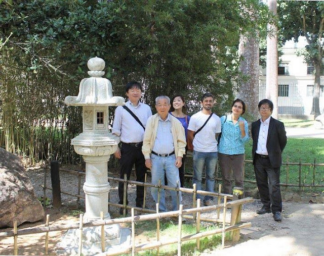 lanterna de pedra jardim japonês