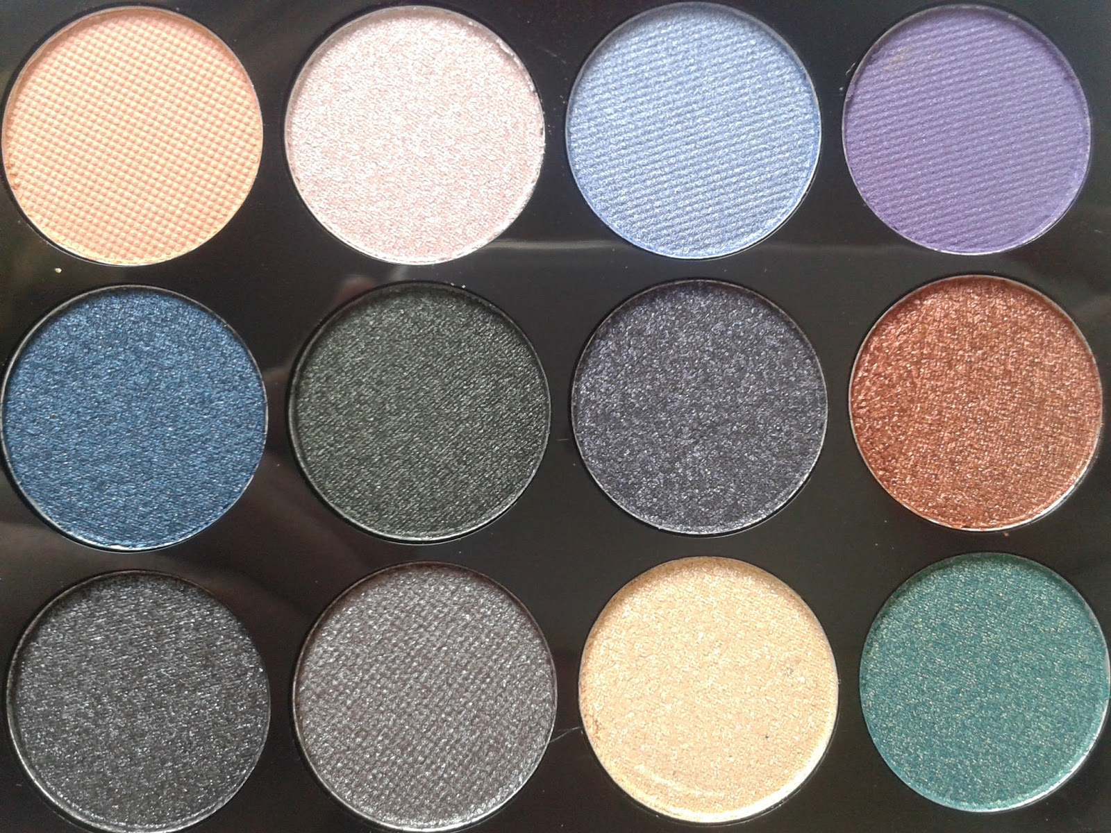 Makeup Revolution Eyes Like Angels Ultra 32 Shade Eyeshadow Palette Beauty Review Swatches