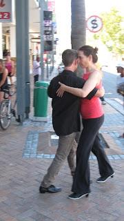 tango-flashmob-kloof-street-2