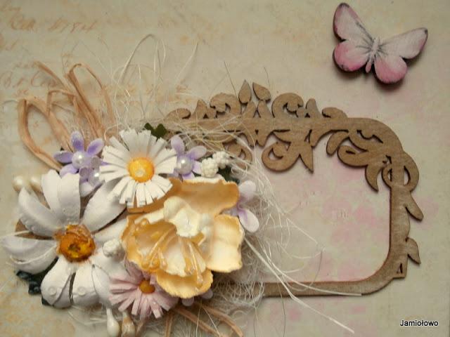 kwiaty ręcznie robione na kartce z ramką
