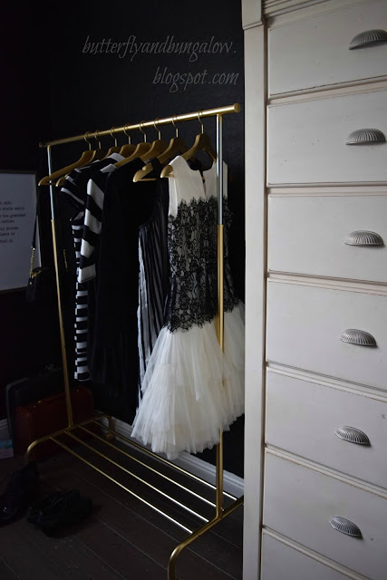 have you seen those expensive dress racks the racks that we admired were in the 200 to 300 dollar range at ballards and pb though clothing racks can even
