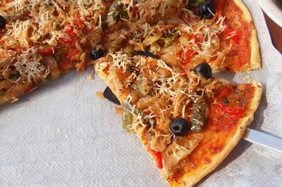 Pizza de bonito en aceite