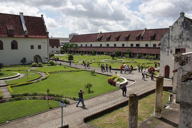 Fort Rotterdam merupakan salah satu situs sejarah dan cagar budaya di Makassar