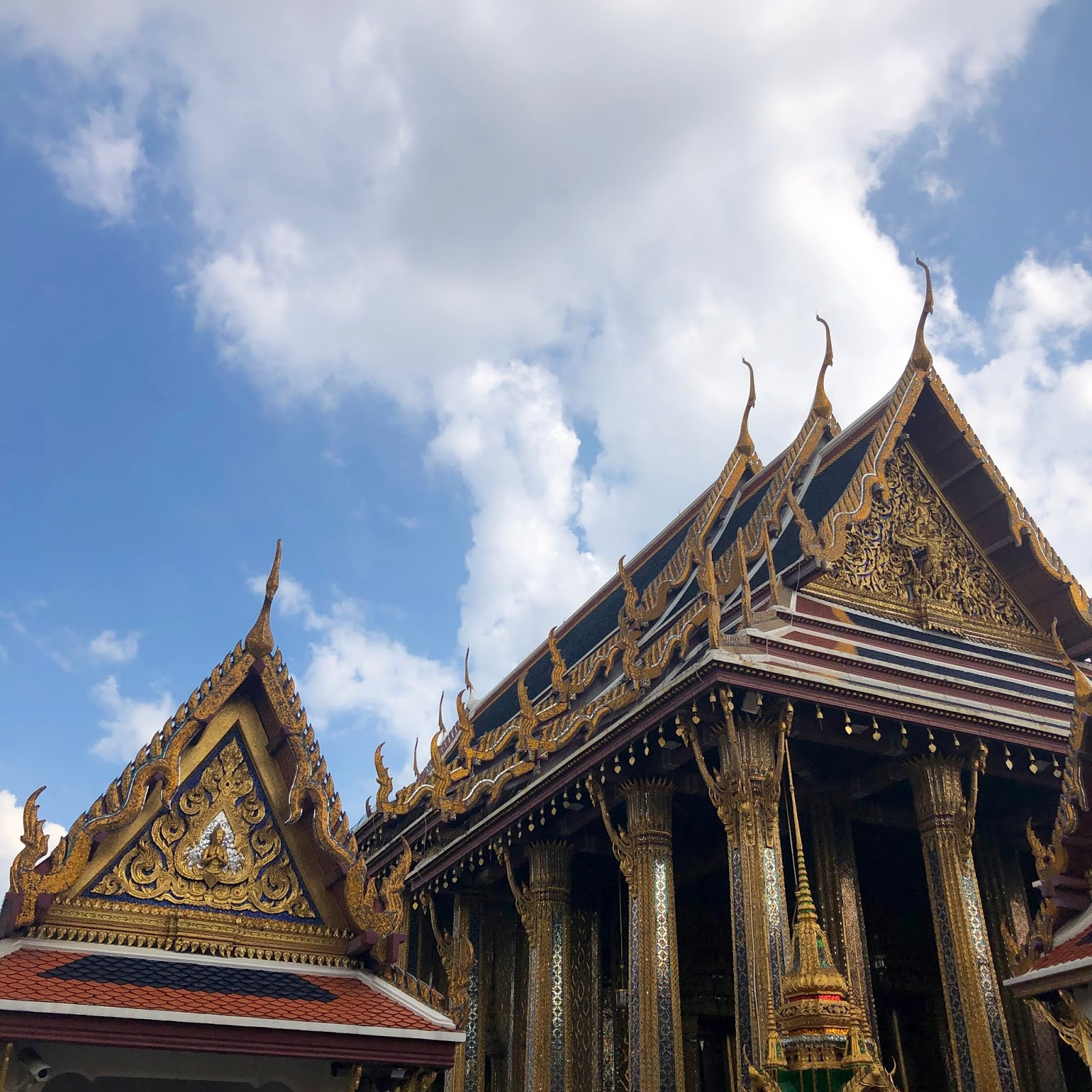 24 hours in...Bangkok by Laura Lewis
