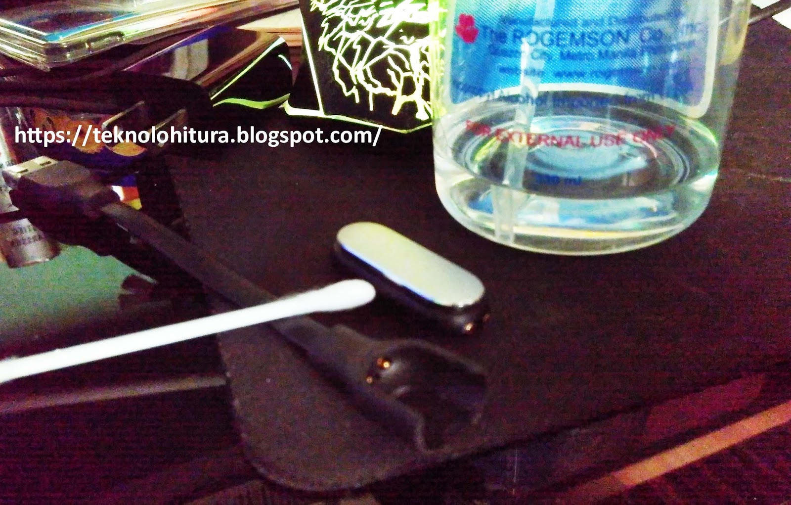 Issue: Xiaomi Mi Band Not Charging | Fix: Heating the Device