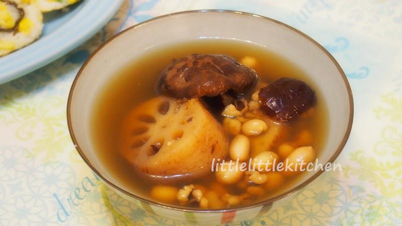 雲端小廚: 花生眉豆蓮藕湯