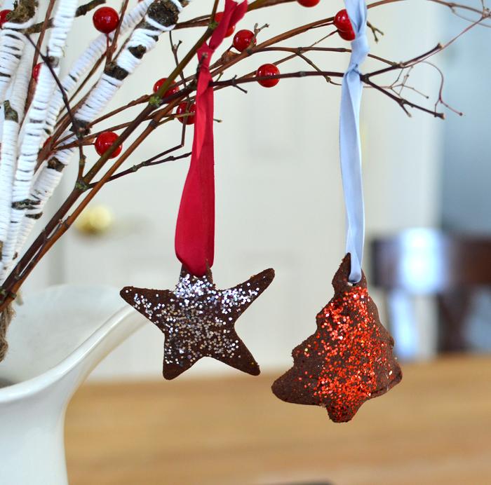 DIY cinnamon applesauce dough christmas ornaments