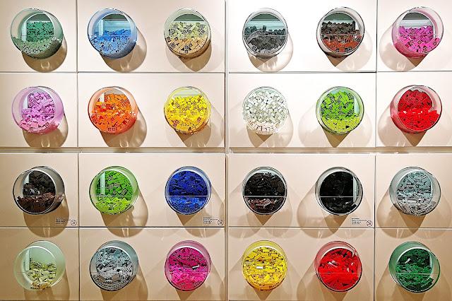 colori al self service lego torino