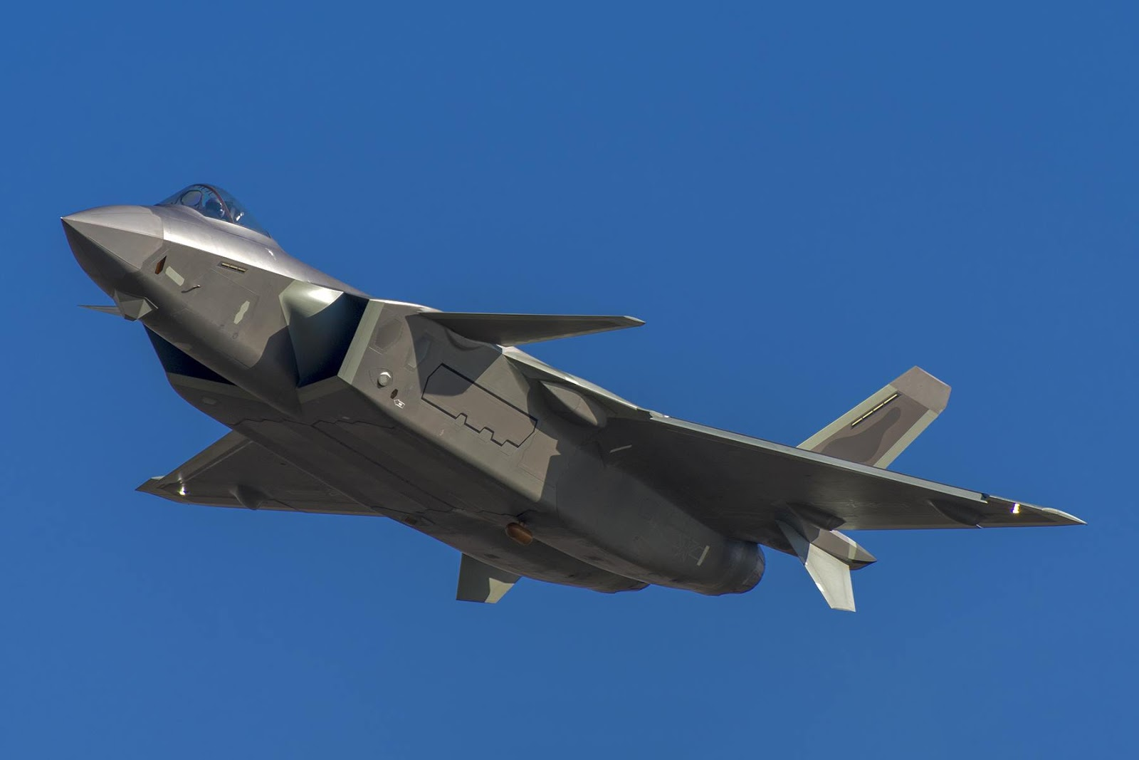 Chinese Chengdu J-20 stealth fighter - Page 7 46089486_901368786734489_3880965434014433280_o
