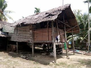 Negeri yang kaya akan kemegahan tetapi Miskin akan kehidupan Rakyat