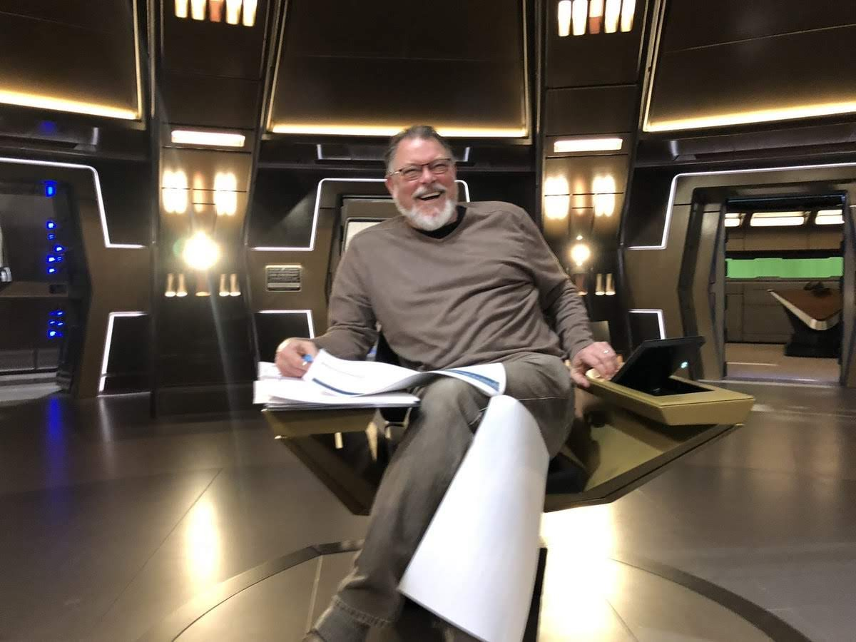 Behind The Chair Show 2019 Children S Couch And Set Trek Collective Tv Round Up Discovery Previews