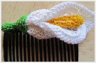 Iris lily crochet flower motif pattern free