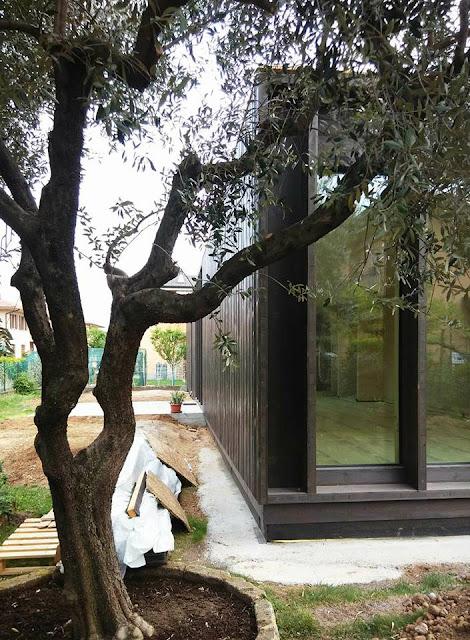 Casa Prefabbricata in Legno con rivestimento in legno mordenzato