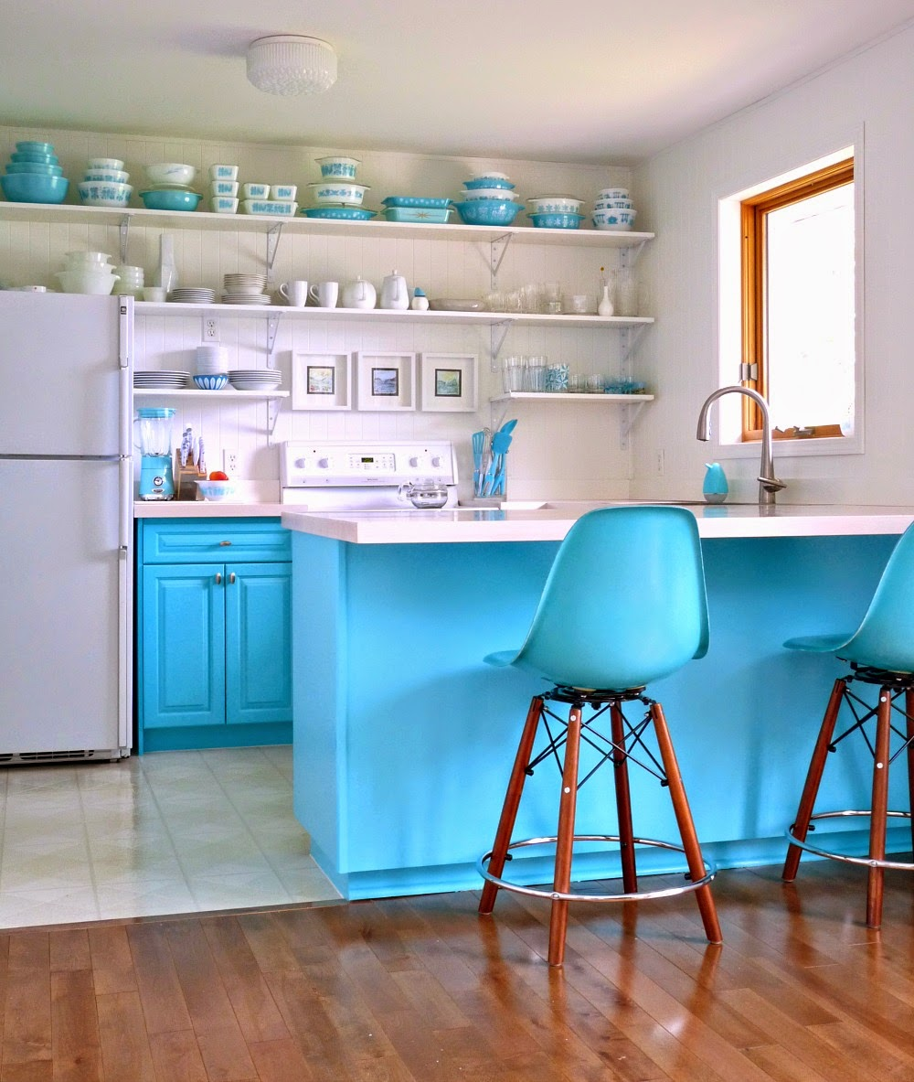 A budget friendly aqua kitchen makeover dans le lakehouse for Kitchen ideas diy